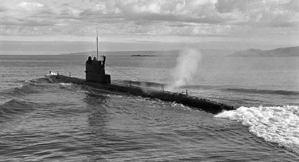 Um submarino soviético (imagem referencial)