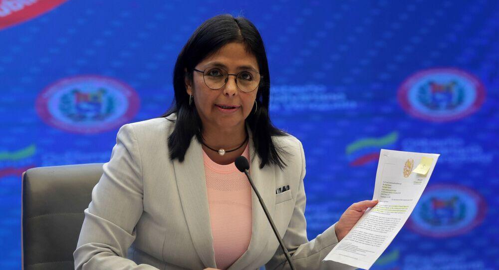 A vice-presidente venezuelana Delcy Rodriguez faz discurso televisionado no dia 18 de junho de 2020, no Palácio Miraflores