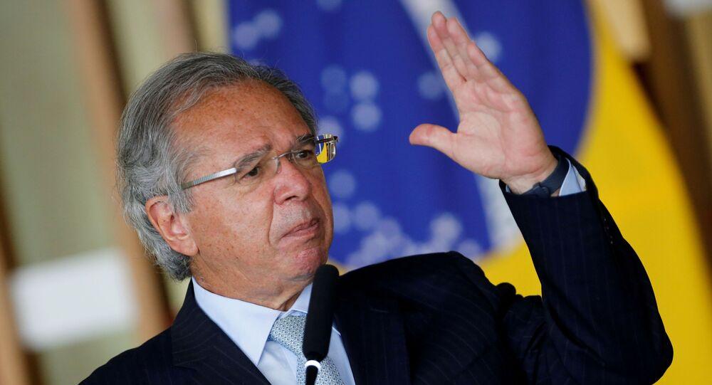 Ministro da Economia do Brasil, Paulo Guedes, discursa no Palácio do Itamaraty, Brasília, 20 de outubro de 2020