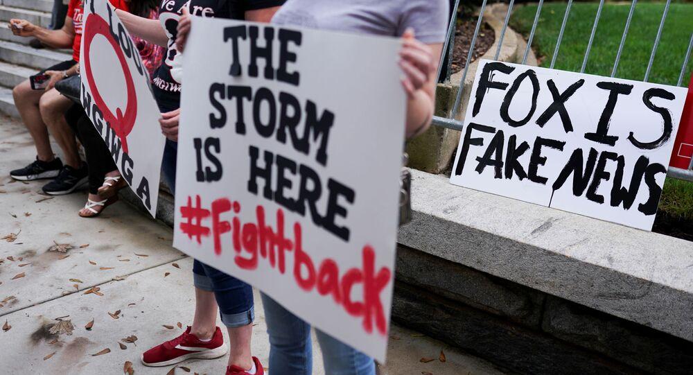 Apoiadores do presidente dos EUA, Donald Trump, protestam contra os resultados das eleições fora do Capitólio do estado da Geórgia em Atlanta, Geórgia, EUA, 11 de novembro de 2020
