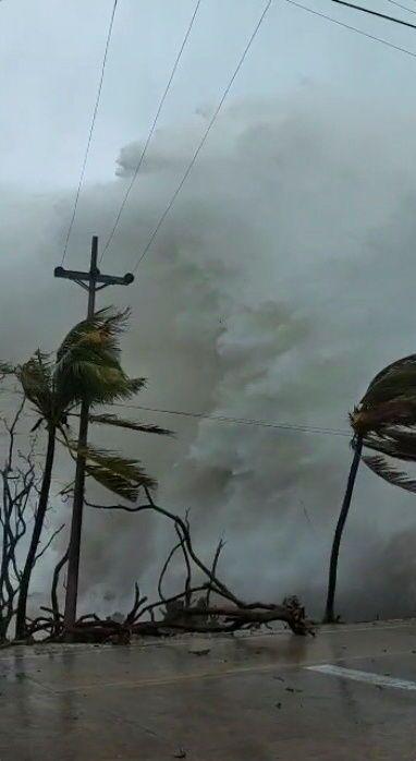 Furacão Iota na ilha de San Andrés, Colômbia.