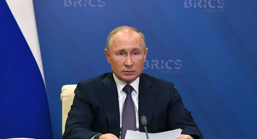 Presidente da Rússia, Vladimir Putin, discursa durante a XII Cúpula de Chefes de Estado do BRICS, celebrada via videoconferência, 17 de novembro de 2020