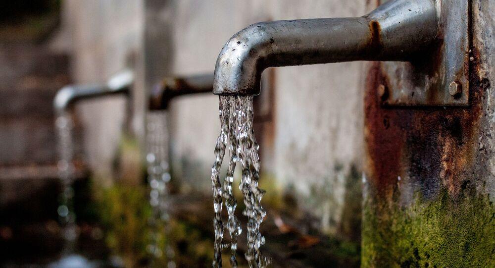 Água da torneira (imagem referencial)