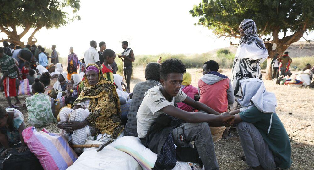 Grupo de refugiados da Etiópia no Sudão