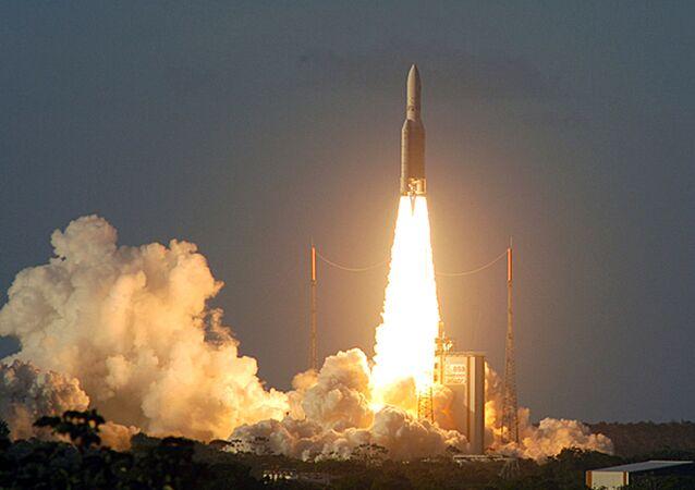 Lançamento de foguete da Agência Espacial Europeia da base espacial Kourou, na Guiana Francesa