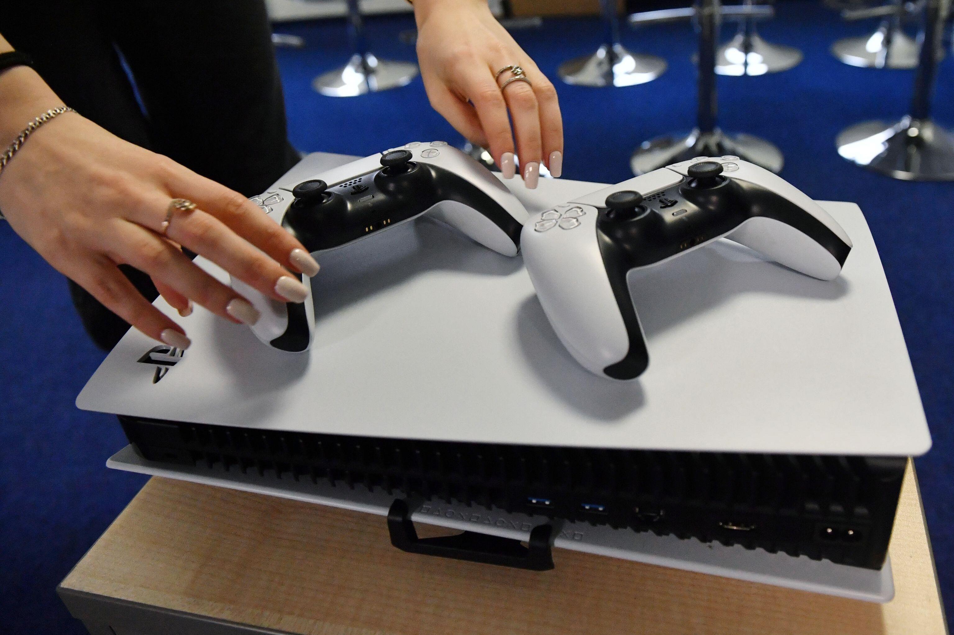 Novo console da Sony, PlayStation 5, começa a ser vendido na Rússia