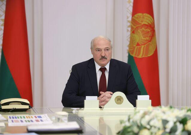 Aleksandr Lukashenko, presidente da Bielorrússia, participa de reunião para discutir os preparativos do 6º Congresso do Povo Bielorrusso, em Minsk, Bielorrússia, 27 de outubro de 2020