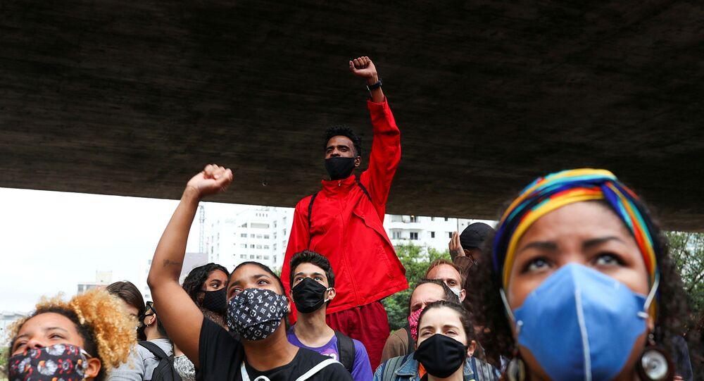 Protesto em São Paulo no Dia da Consciência Negra, 20 de novembro de 2020