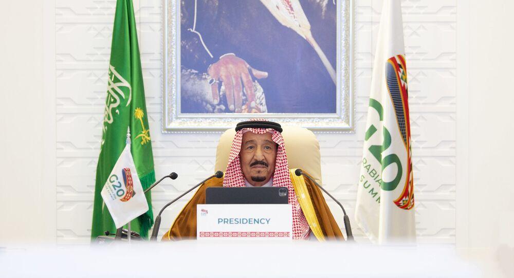 Rei da Arábia Saudita, Salman bin Abdulaziz Al Saud, discursa durante encontro de líderes do G20, realizado por videoconferência a partir de Riad, Arábia Saudita, 21 de novembro de 2020