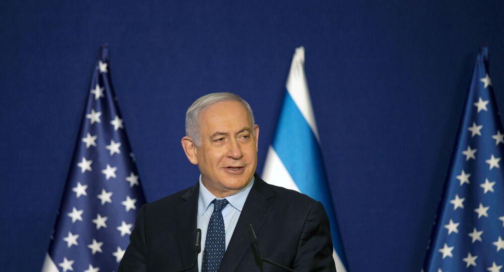 Benjamin Netanyahu, primeiro-ministro de Israel, durante declaração em conjunto a Mike Pompeo, secretário de Estado dos EUA (fora da tela) em Jerusalém, 19 de novembro de 2020