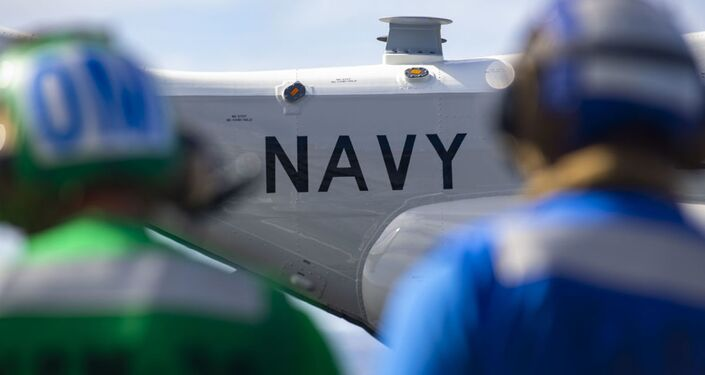 Avião CMV-22B Osprey da Marinha dos EUA conduz primeiro pouso e decolagem no porta-aviões USS Carl Vinson
