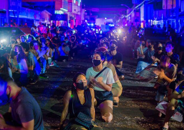 Moradores do Amapá fazem protesto após apagão atingir o estado de 3 a 24 de novembro