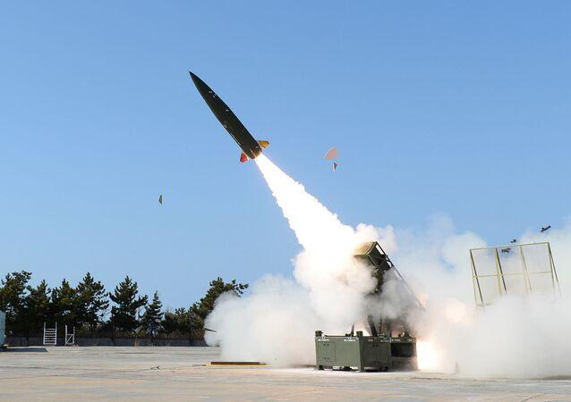 Lançamento do míssil sul-coreano KTSSM