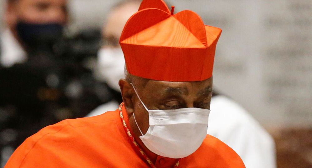 Wilton Gregory, dos EUA, é nomeado cardeal pelo Papa Francisco, durante uma cerimônia consistório na Basílica de São Pedro no Vaticano, 28 de novembro
