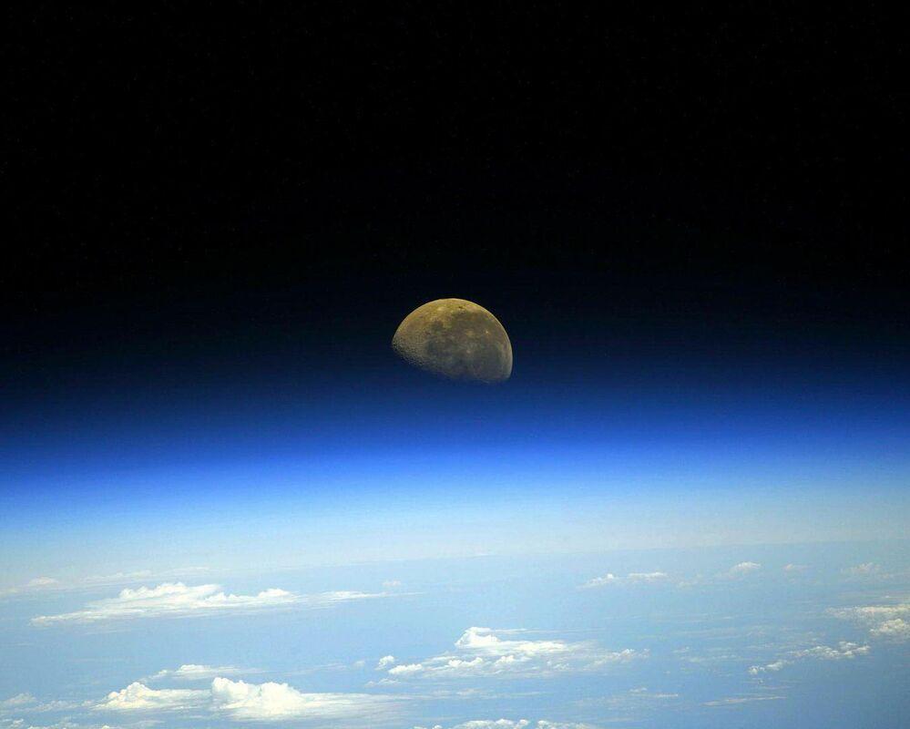Foto da Lua desde a Estação Espacial Internacional
