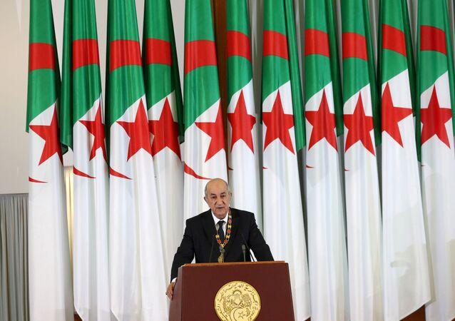 O presidente da Argélia, Abdelmadjid Tebboune, discursa durante sua cerimônia de posse em Argel, Argélia, em 19 de dezembro de 2019