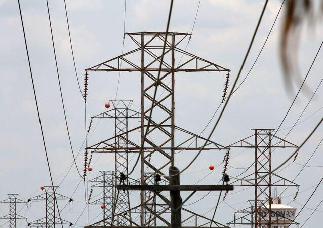 Torres de transmissão de energia elétrica no Brasil.
