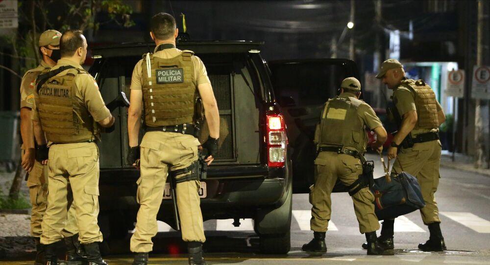 Polícia Militar de Santa Catarina apreende parte do dinheiro deixado pelos assaltantes de agência bancária de Criciúma