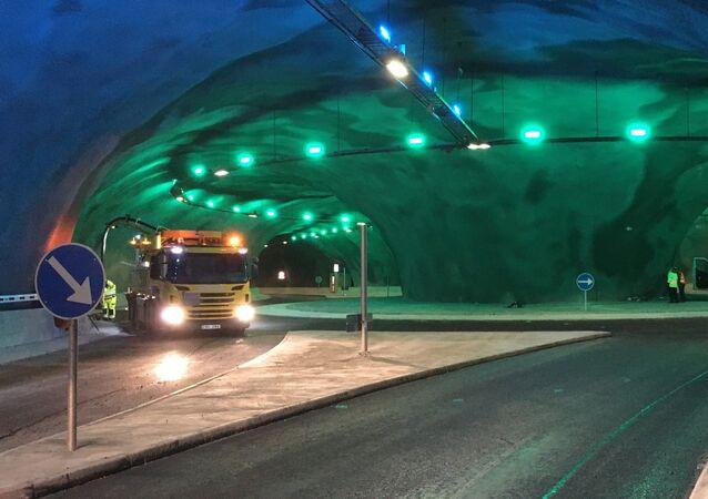 Túnel rodoviário submarino