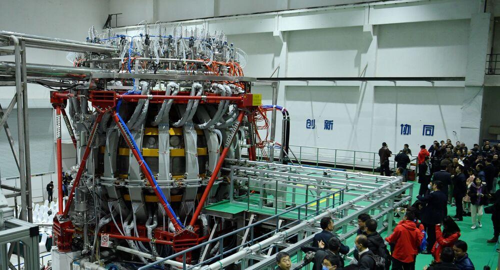 Sol artificial de fusão nuclear HL-2M no laboratório de Chengdu, na China