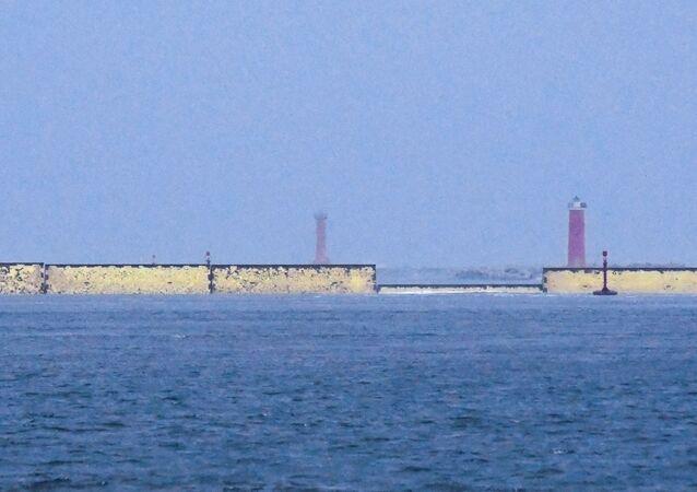 Barreiras de contenção de enchentes em Veneza, Itália, sistema conhecido como MOSE (Módulo Experimental Eletromecânico)