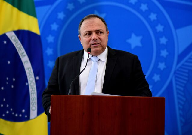 Eduardo Pazuello, ex-ministro da Saúde, faz pronunciamento à imprensa.