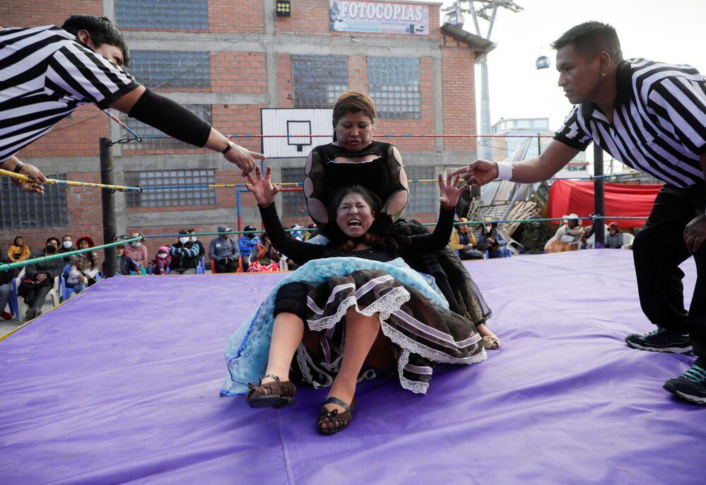 Lutadoras bolivianas cholitas