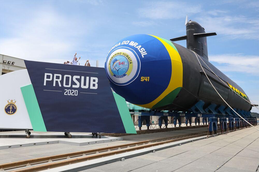Marinha do Brasil batiza e lança seu mais novo submarino Humaitá em 11 de dezembro