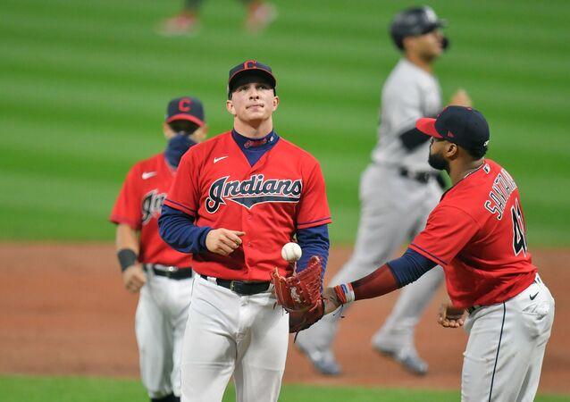 Cleveland Indians em ação contra o New York Yankees no dia 30 de setembro de 2020 em Cleveland, Ohio