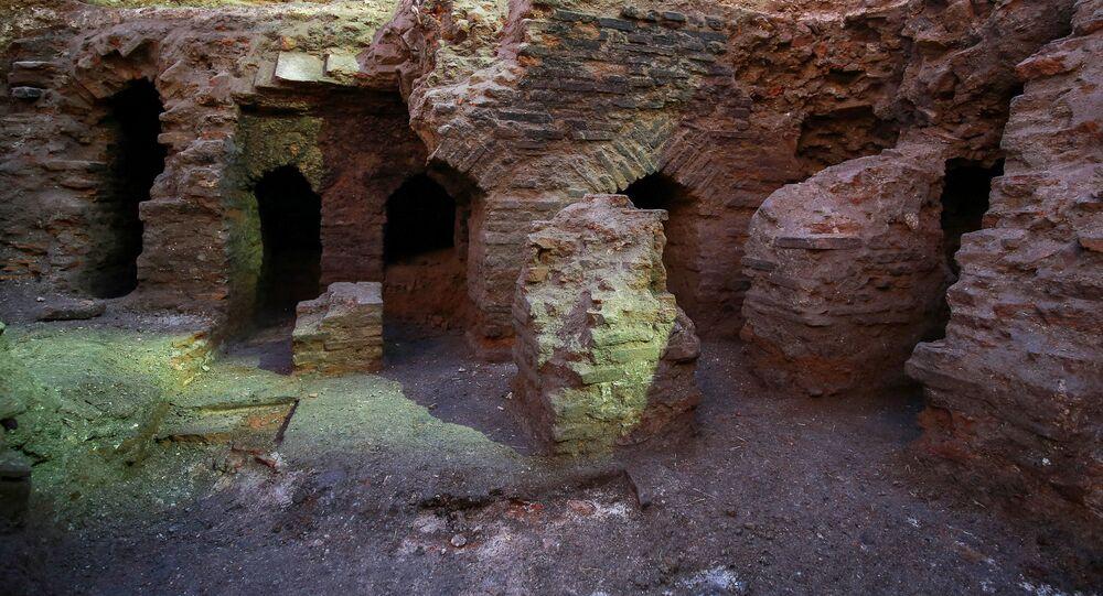 Ruínas da época romana, encontradas durante escavações em Amã, na Jordânia
