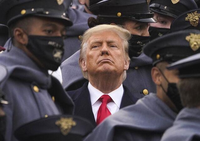 Presidente dos EUA, Donald Trump assiste a evento esportivo da Marinha norte-americana