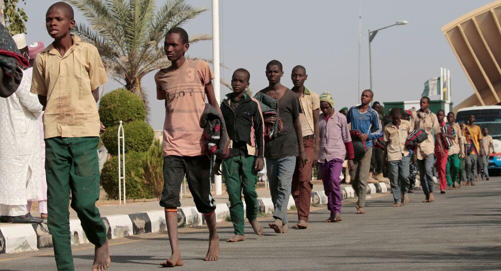 Estudantes supostamente sequestrados pelo Boko Haram são libertados na Nigéria