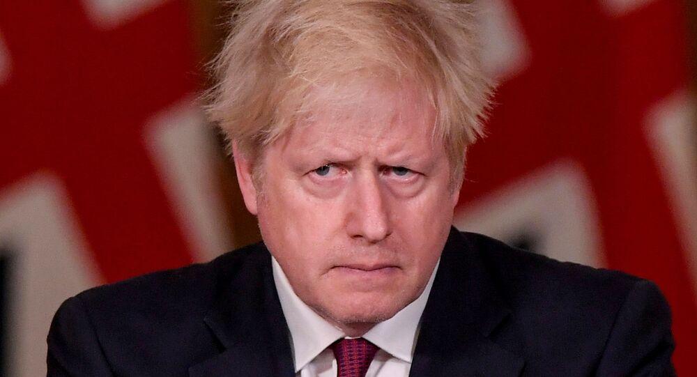 Primeiro-ministro britânico, Boris Johnson, durante coletiva de imprensa em sua residência oficial, em Londres, Reino Unido, 19 de dezembro de 2020