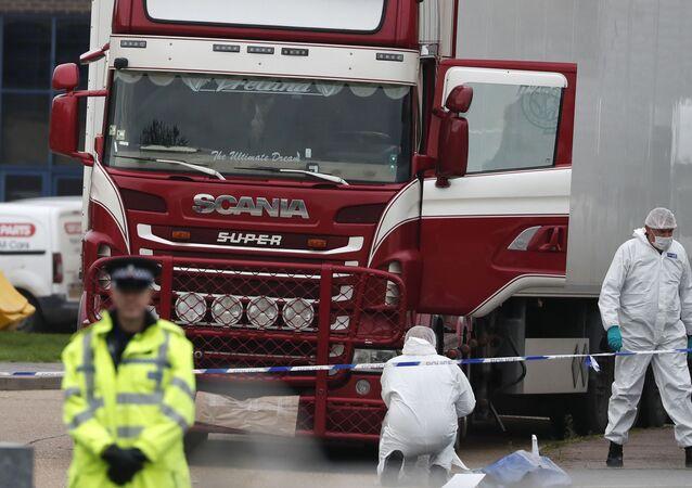 Caminhão onde foram encontrados 39 corpos de imigrantes vietnamitas no Reino Unido.