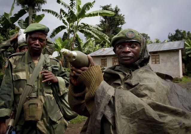 Soldado portando um morteiro na República Centro-Africana (imagem referencial)