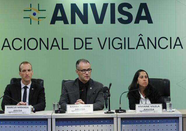 Marcus Miranda, o diretor- presidente substituto, Antonio Barra e a coordenadora de infraestrutura e meio de transporte da gerência geral de portos, aeroportos e fronteiras da Anvisa, Viviane Vilella