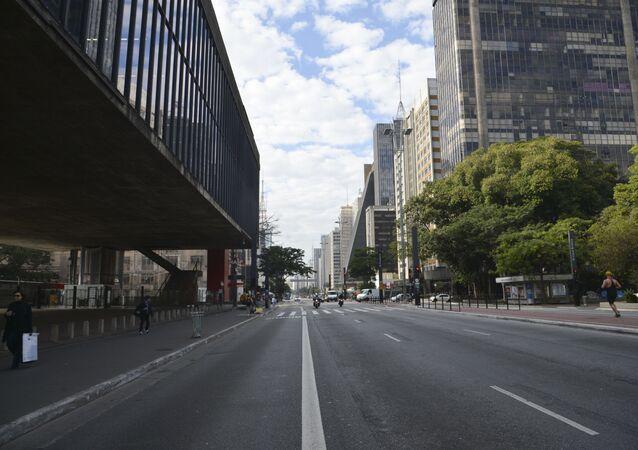 Avenida Paulista com pouco movimento, São Paulo, Brasil