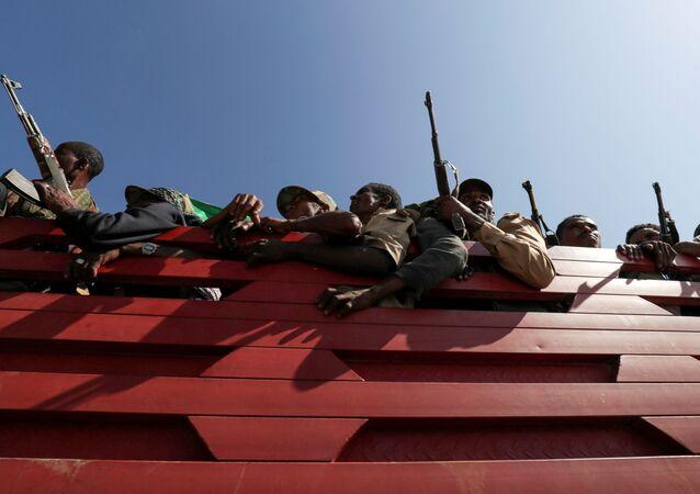 Combatentes de milícia Amhara na Etiópia