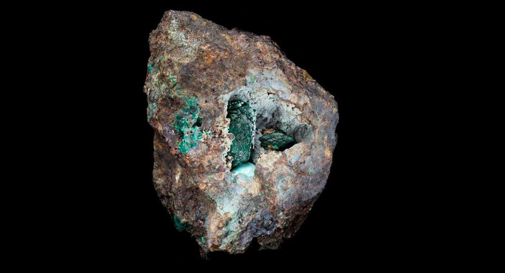 A kernowita é distinta por seus grandes cristais verdes