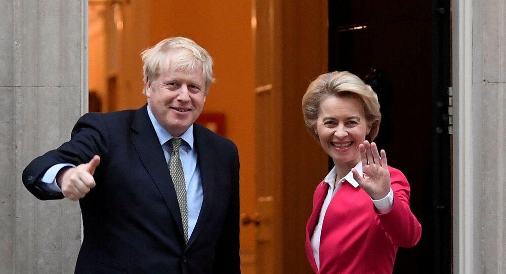 O primeiro-ministro britânico, Boris Johnson, encontra-se com a presidente da Comissão Europeia, Ursula von der Leyen, em Londres, Grã-Bretanha, em 8 de janeiro de 2020