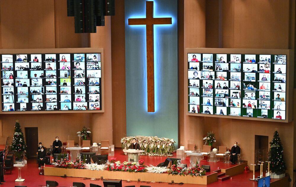 Transmissão on-line da missa de Natal na Igreja do Evangelho Pleno, Seul, Coreia do Sul, 25 de dezembro de 2020