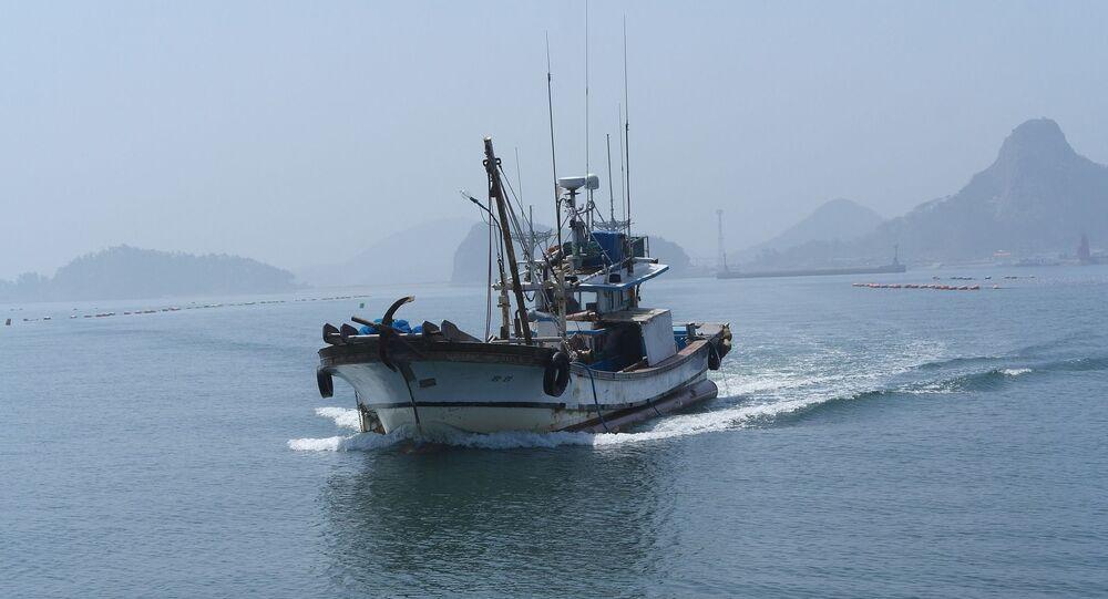 Barco pesqueiro (imagem referencial)