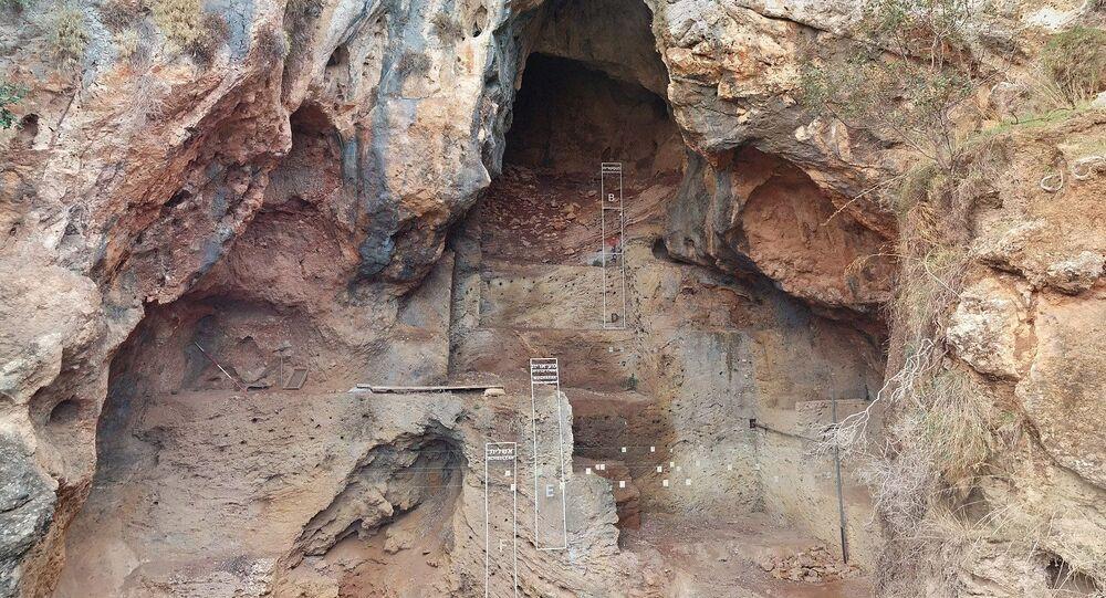 Caverna Tabun, em Monte Carmelo, ao norte de Israel