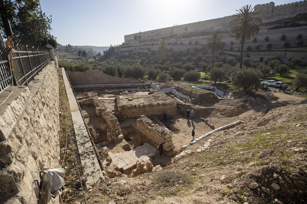 Ruínas de sauna e igreja de 2.000 anos são descobertas em Jerusalém