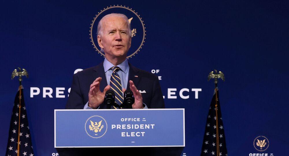 Presidente eleito dos EUA, Joe Biden, discursa na sede do gabinete de transição, em Wilmington, Delaware, EUA, 28 de dezembro de 2020