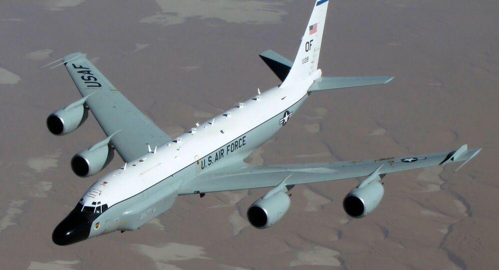 Aeronave de reconhecimento americana RC-135W