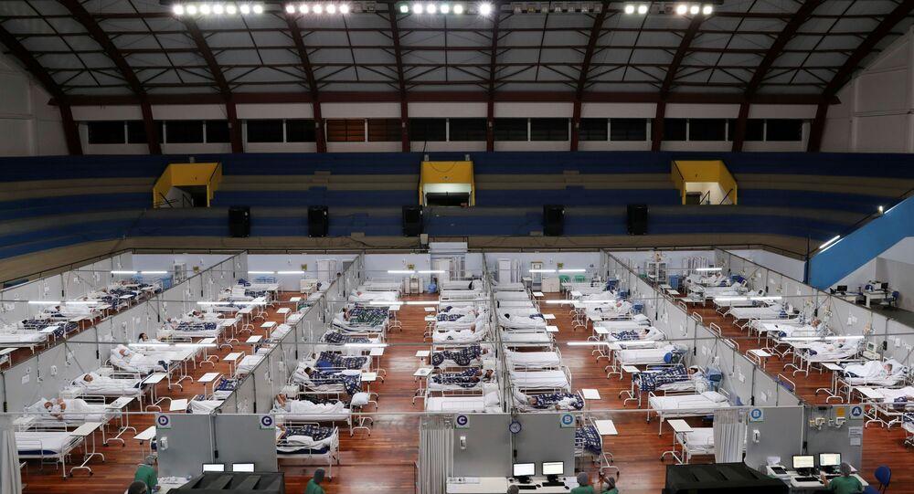 Hospital de campanha em quadra de ginásio de Santo André, SP, 1º de janeiro de 2020