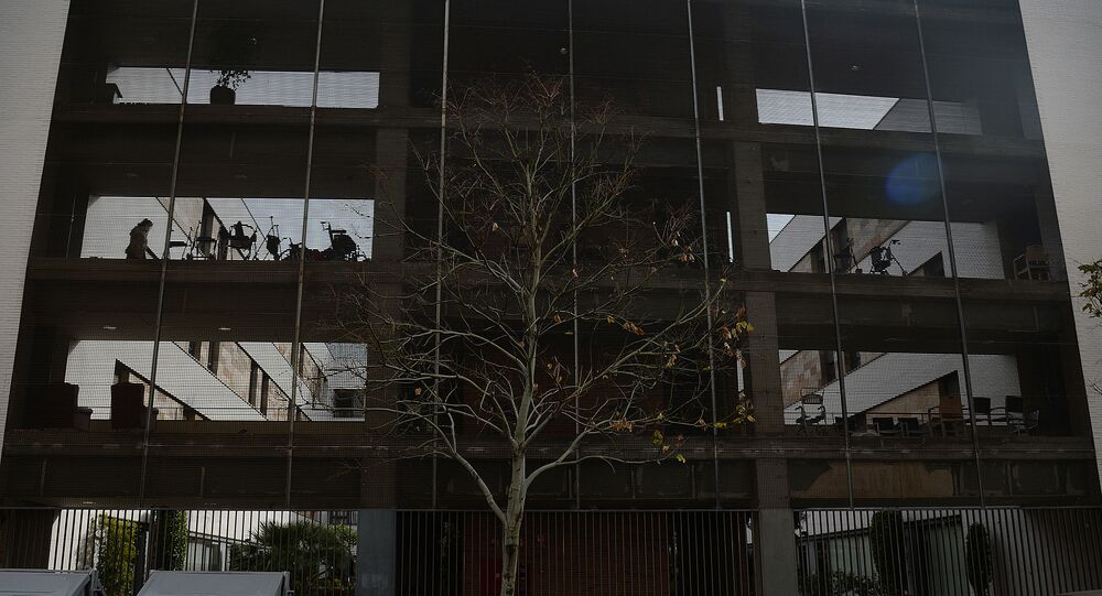 Fachada do lar para idosos Adorea-DomusVi, prédio localizado em Sevilha, na Espanha, que pegou fogo na madrugada desta quarta-feira, 6 de janeiro de 2021