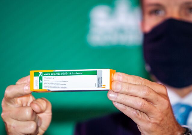 O governador de São Paulo, João Doria (PSDB), anuncia a eficácia de 78% da Coronavac contra o novo coronavírus (Covid-19), além do pedido do Instituto Butatan para a Anvisa (Agência Nacional de Vigilância Sanitária), para que seja aprovado o uso emergencial do imunizante no estado, durante coletiva nesta quinta-feira (7)