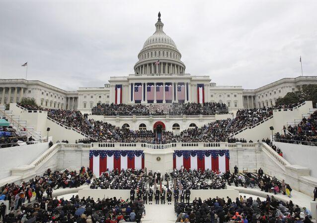 Donald Trump discursa depois de tomar posse como 45º presidente norte-americano em cerimônia em Washington, EUA, 20 de janeiro de 2017